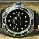 OUT OF ORDER Quartz / Black Leather / 44mm Diver / Submariner